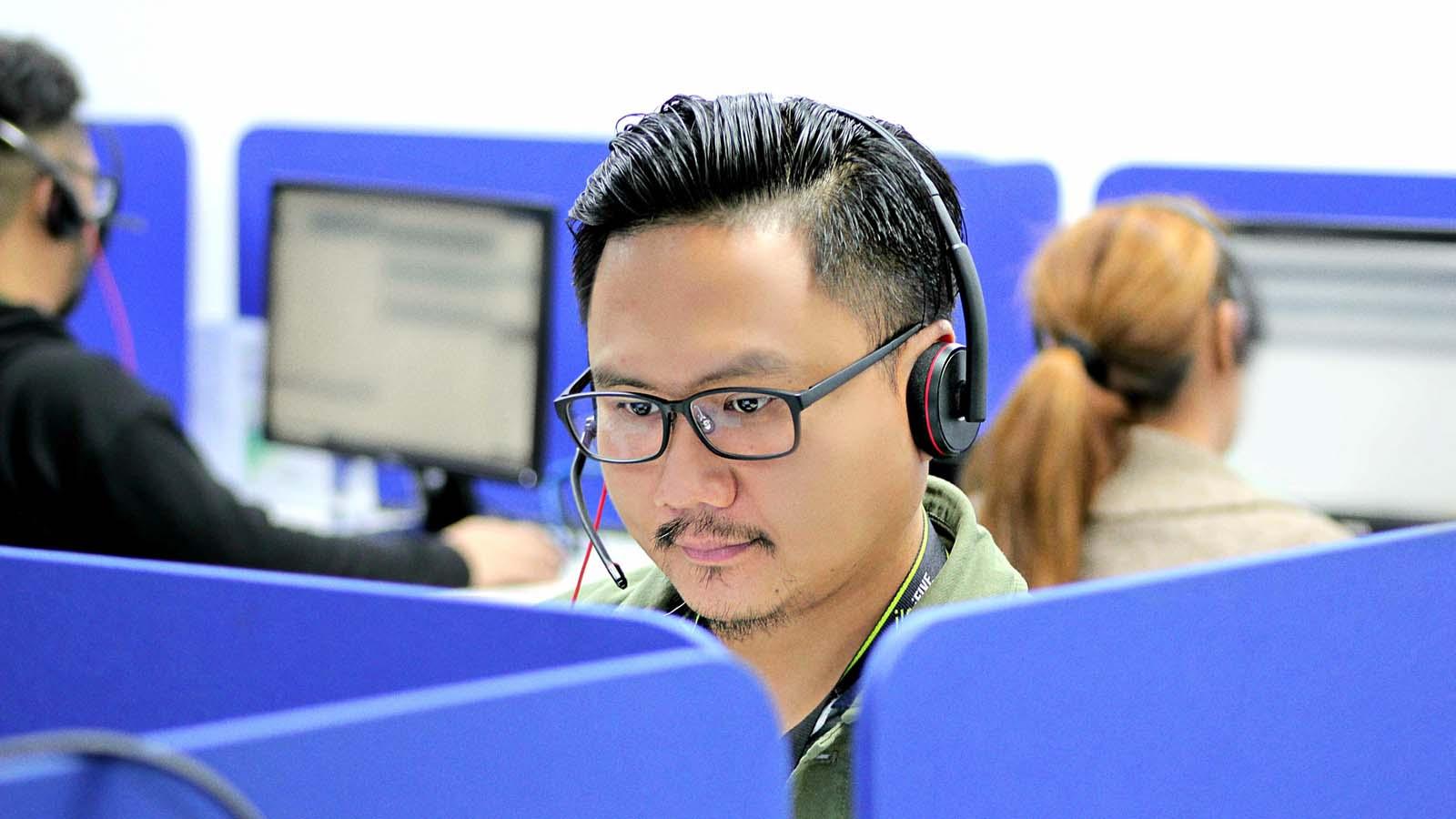 Los filipinos hispanohablantes prosperan en las empresas filipinas de BPO