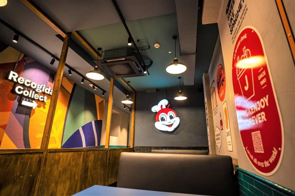 Jollibee Interior 2
